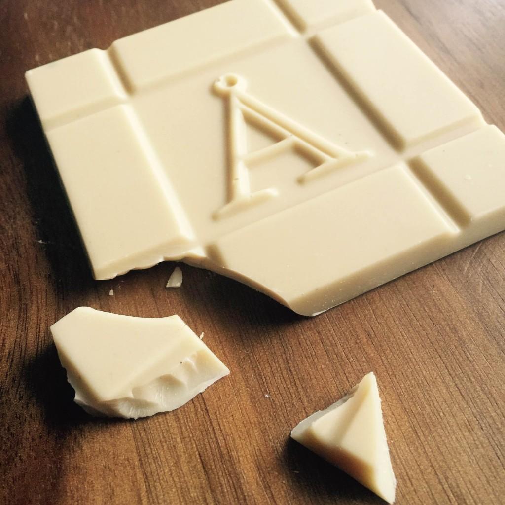 アケッソンズ ホワイトチョコ